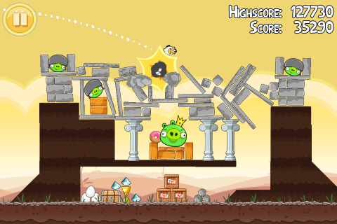Angry Birds gameplay screenshot