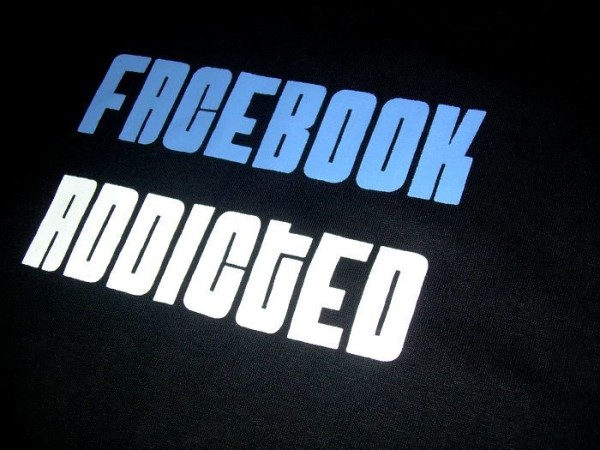 How to Hamper Facebook Addiction